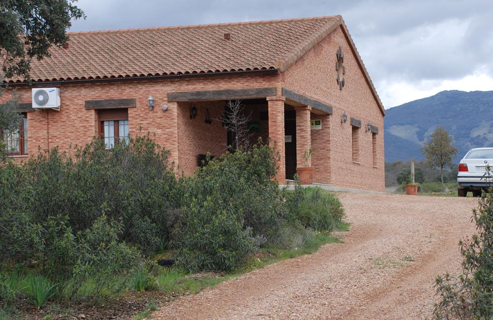 Casa rural valdefresno casa rural en retuerta del bullaque ciudad real parque nacional de - Casa rural cabaneros ...